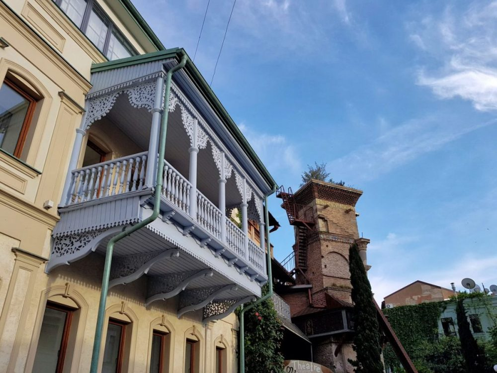 Travel to Sakartvelo _ Georgia _ Tbilisi old town _ Escaperies